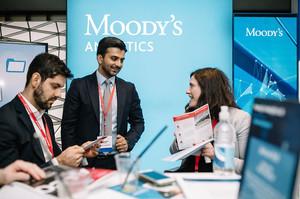 Moody's прогнозує «надзвичайно високі» ризики глобальної рецесії в найближчі 12–18 місяців