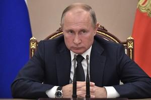 Експерименти РФ з відмови від долара коштували країні майже $8 млрд – Bloomberg