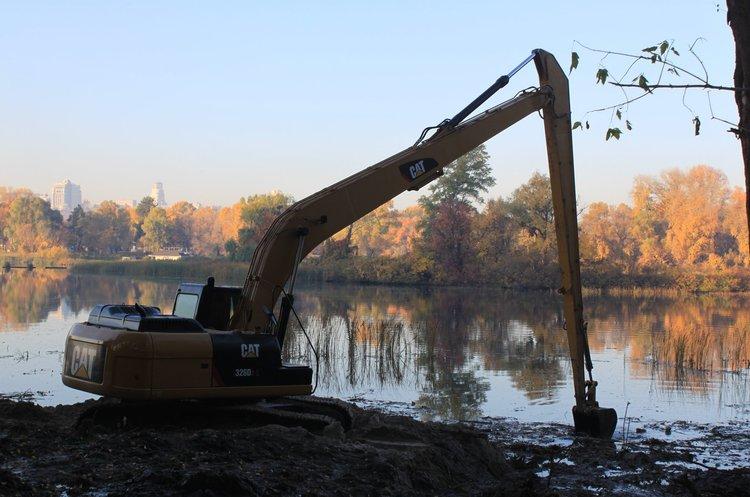 Кличко дозволив незаконне бетонування берега Десьонки для будівництва