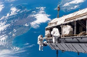 Вперше в історії дві жінки вийшли у відкритий космос з борту МКС