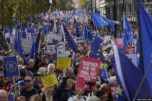 Поразка Джонсона: парламент Британії відклав голосування по «Брекзиту»