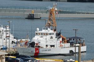 Американський корабель з катерами для України прибув в Одесу