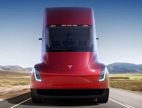 Tesla почне серійне виробництво своєї електровантажівки у 2020 році