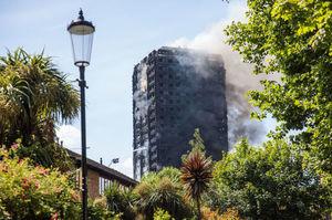 Пожежа в Grenfell tower: дії пожежників призвели до зростання людських жертв