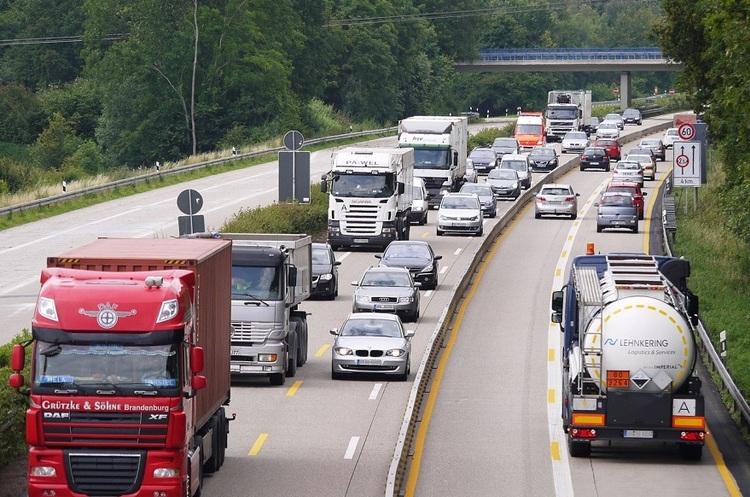 BMW, Daimler, Opel і Porsche пришвидшують перехід на електромобілі – DW