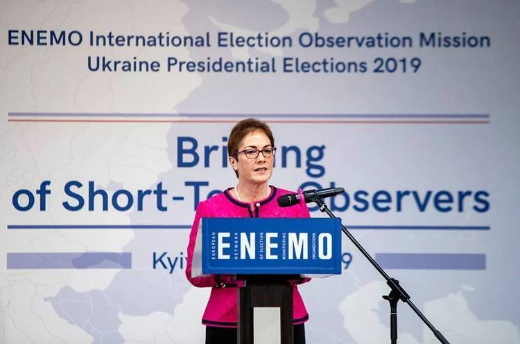 Екс-посол США Марі Йованович: «Джуліані втручався у справи України»
