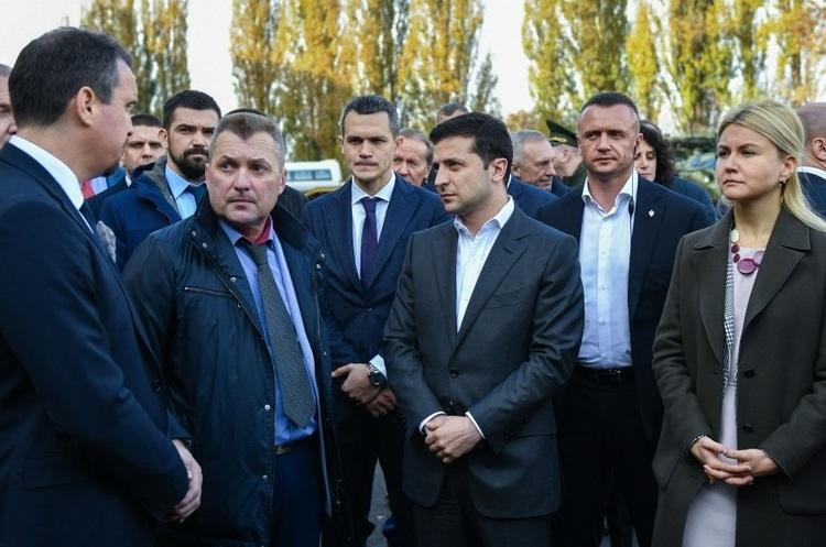 «Ми нічого не виробляємо і нічого не літає»: Зеленський розкритикував харківський завод