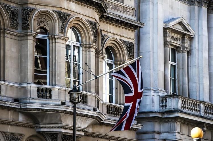Опозиція Британії звинувачує владу за навмисне приховування звіту про втручання РФ
