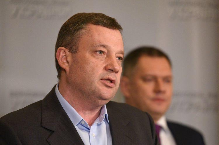 Після оголошення підозри Дубневич переписав підконтрольну йому фірму на свого сина - САП