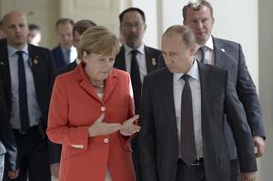 Меркель та Путін обговорили «нормандський саміт»