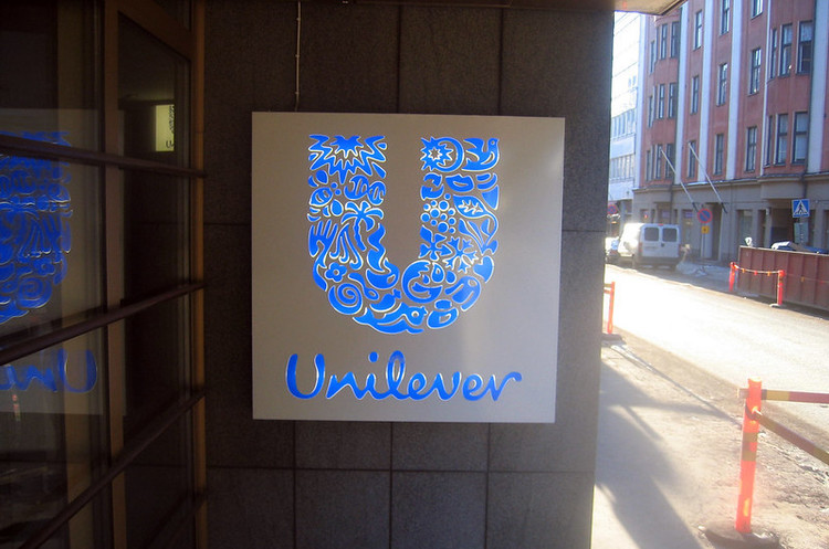 Глава Unilever йде у відставку