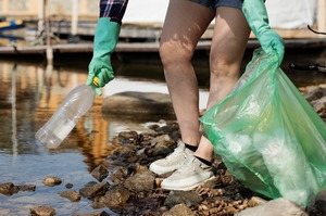 Рада прийняла законопроєкт про заборону пластику у першому читанні