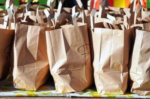 У Greenpeace заявили, що паперові пакети не є екологічними