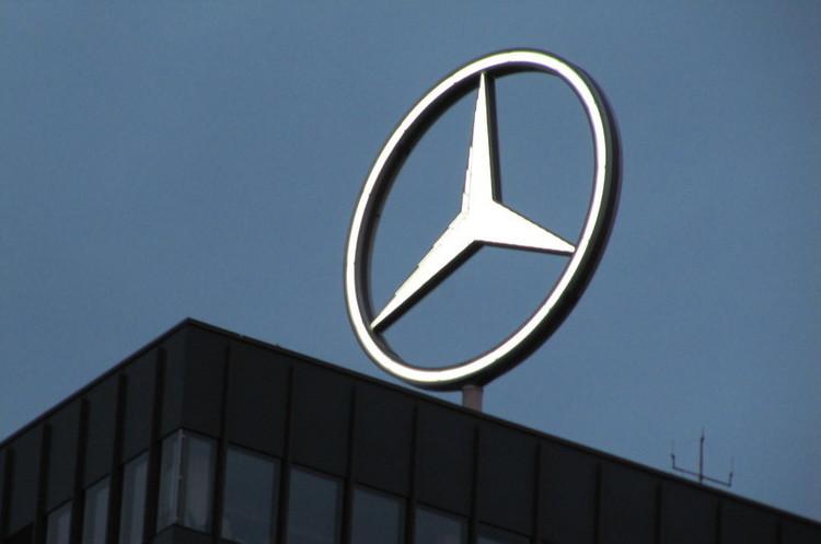 Mercedes-Benz звільнить частину працівників, щоб зекономити 1 млрд євро