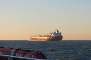 Венесуела таємно експортує мільйони барелів нафти в РФ
