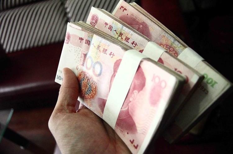 Пекін «мовчки» диверсифікує свої резерви, щоб зменшити залежність від долара – аналітики