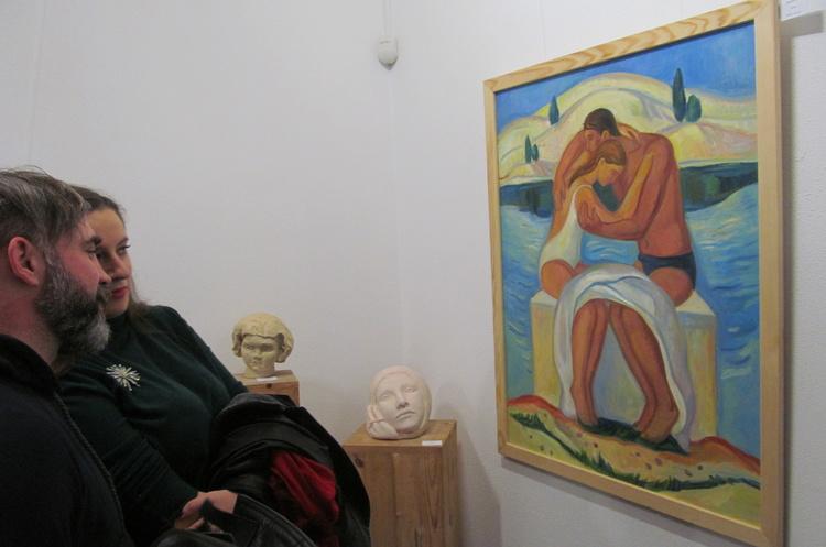 Вернисаж месяца: тайны женской натуры в скульптуре и живописи
