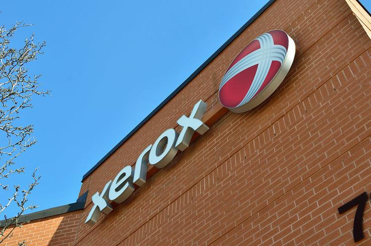 Xerox погрожує HP ворожим поглинанням
