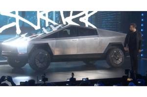 Ілон Маск отримав 146 000 замовлень на новий Cybertruck за два дні