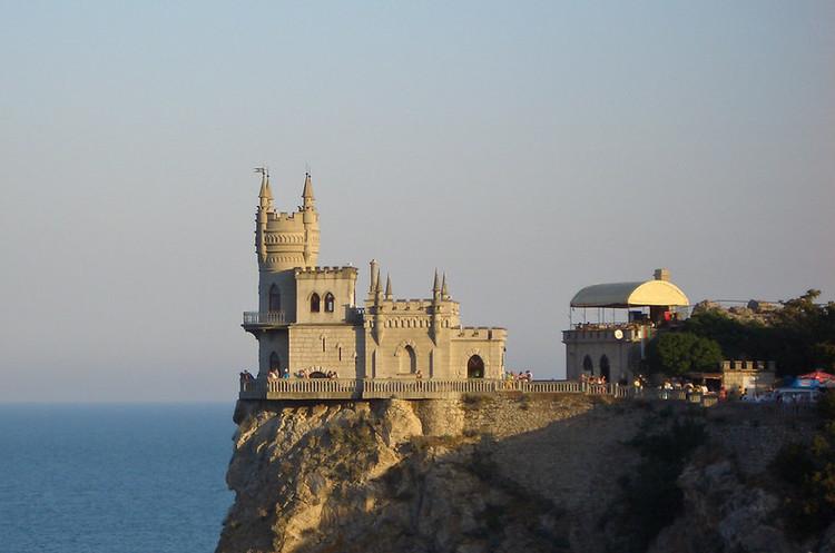 РФ змінює етнічний склад населення Криму: на півострів переселили близько 500 000 росіян