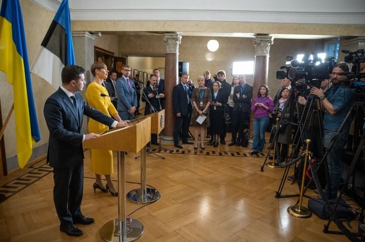 У війні на Донбасі немає двох винних сторін: є агресор і є жертва – президент Естонії
