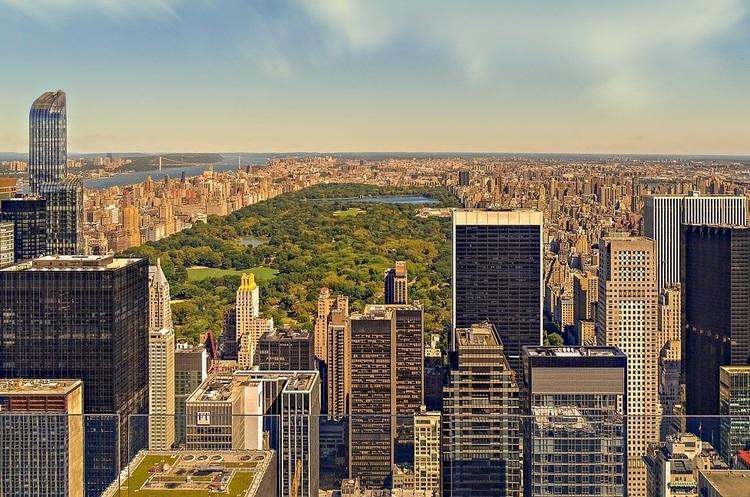 Нью-Йорк заборонив продаж усіх видів електронних сигарет