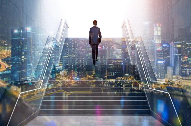Путь успешного бизнеса: от реалий к облакам