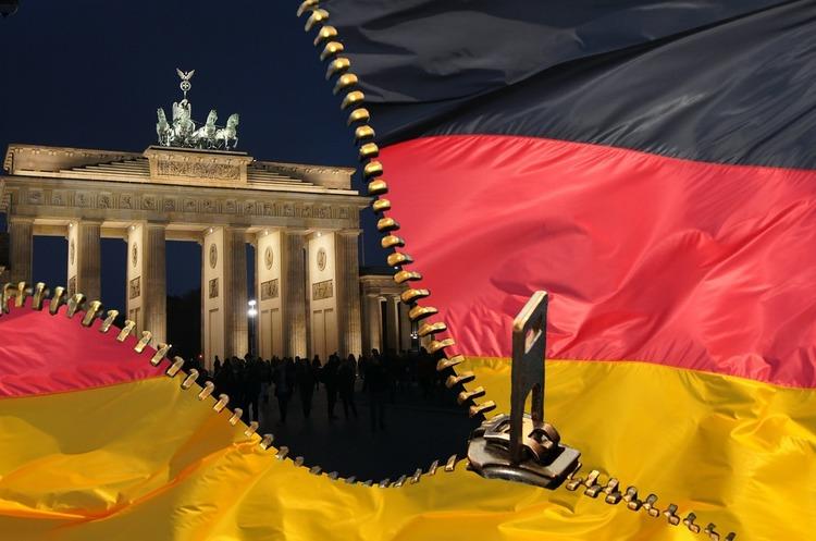 Меркель пояснила, чому Німеччина вислала двох російських дипломатів