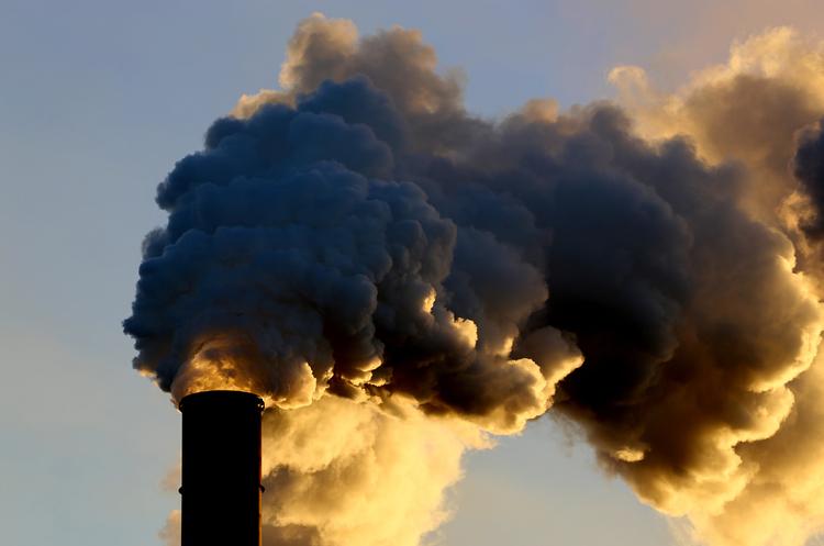 Інженери створили покриття для промислових споруд, яке руйнує парникові викиди