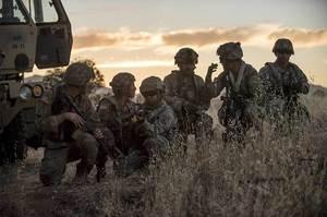 Пентагон планує перекинути на Близький схід 14 тисяч військових – WSJ