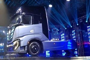 В Турині представили макет повністю електричного тягача Nikola TRE