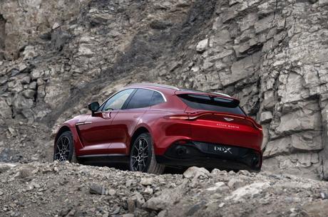 Кросовер для Джеймса Бонда: як і чому з'явився Aston Martin DBX