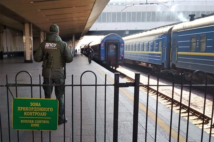 Политические рельсы: почему железнодорожное сообщение с РФ не закроют