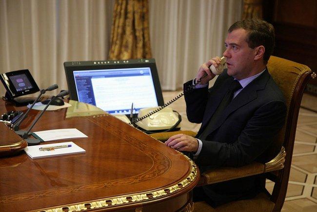 РФ думає про Європу, тому не може відмовитись від транзиту через Україну – Медведєв