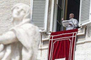 Папа Римський помолився за успіх «нормандського саміту» та «справедливий мир»