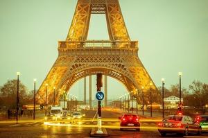 Ейфелева вежа теж страйкує разом з рештою Франції: вхід туристам закрито
