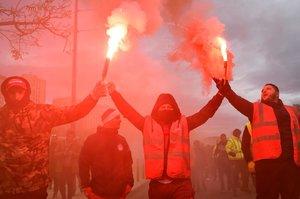 Транспортний колапс у Франції триває п'ятий день поспіль і найближчим часом не припиниться