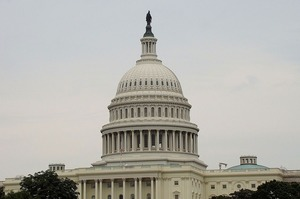 Сенатор США заблокував санкції проти РФ через втручання у американські вибори