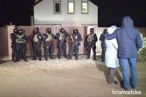 Справа Шеремета: вночі правоохоронці обшукали будинок Юлії Кузьменко, волонтерку затримали