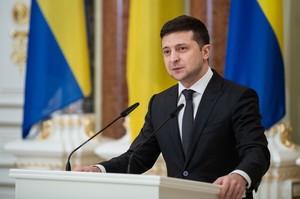 Зеленський пропонує спростити отримання громадянства військовим та біженцям з РФ