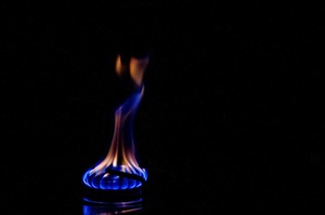 Битва за 600 млн «кубів»: як збутові компанії створюють українцям борги за газ