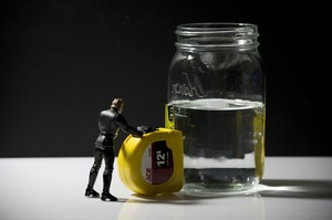 Схематоз місяця: корупція в ДАБІ, суди вкладників з ФГВ і банкрутство «Бруснички»