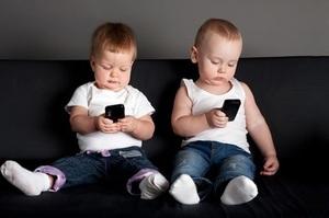 Французький нейропсихолог дослідив, як гаджети призводять до зниження IQ в дітей