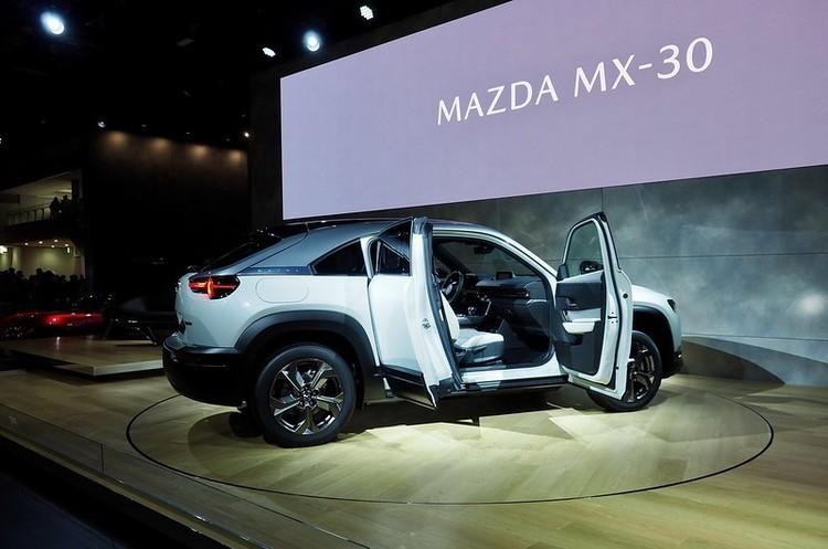 Електрокари з більшим запасом ходу наносять більше екології шкоди, ніж «дизелі» – Mazda