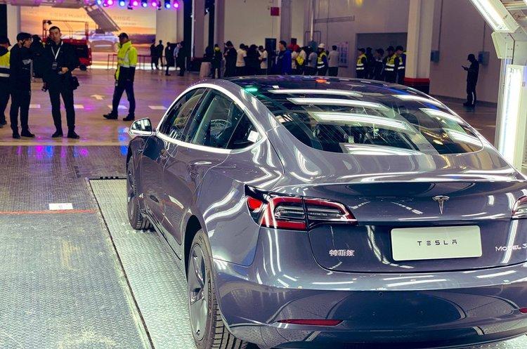 Китайський завод Tesla випускає 1000 електрокарів на тиждень