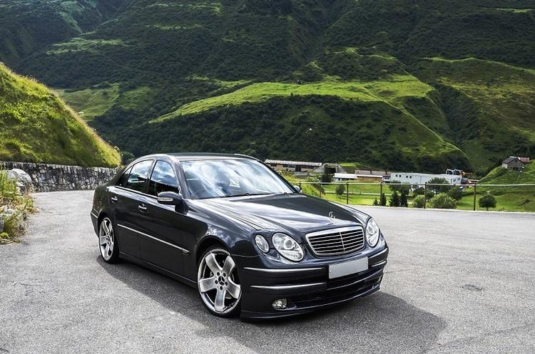 Mercedes-Benz відкликає в США майже 750 000 своїх автомобілів
