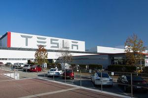 Tesla за минулий рік подвоїла поставки своїх електрокарів