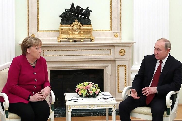 Меркель і Путін зустрілися вперше за 5 років: обговорили «Північний потік-2»