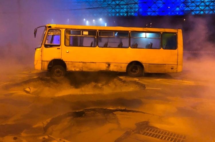 Случай с прорывом городской теплосети возле ТРЦ «Оcean Plaza» урегулирует страховая компания «ИНГО Украина»