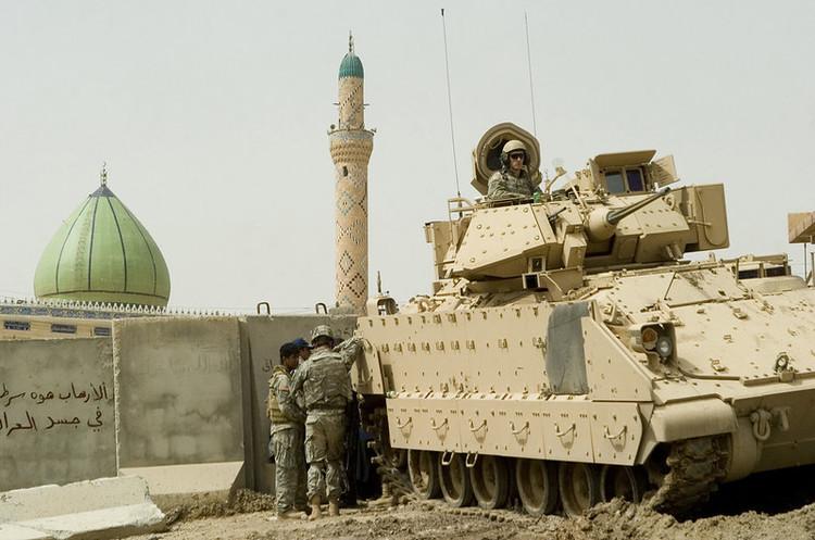 Базу з американськими військовими в Іраку знову обстріляли
